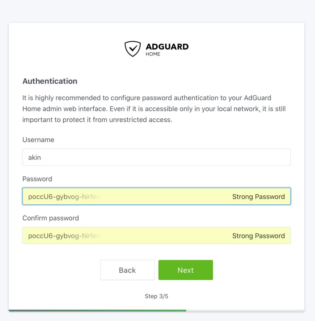 AdGuard Home ilk kurulum kullanıcı oluşturma ekranı